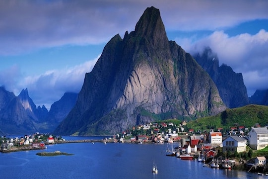 lofoten tourist attractions, rent a car in lofoten and discover